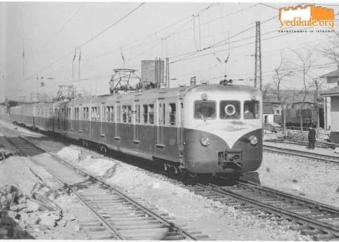 Yedikule ve E8000, Nisan-1956 Fotoğraf: A. Swale